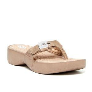 Dr. Scholl's Roll Thong Sandal